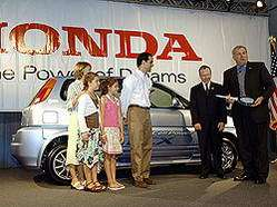 Honda Delivers FCX Fuel Cell Vehicle to World's First Individual Customer