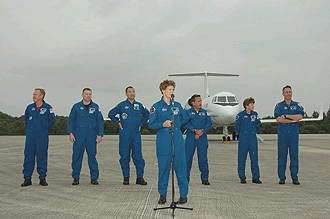 Discovery crew arrives at Cape Canaveral
