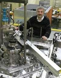 'Mini' ion accelerator showcased