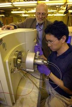Purdue creates simpler alternative for mass spectrometers