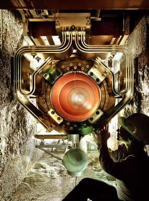 MINOS experiment sheds light on mystery of neutrino disappearance