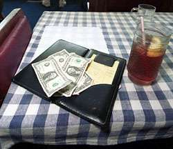Holiday giving season complicated by shifting norms on gratuities, psychologist suggests