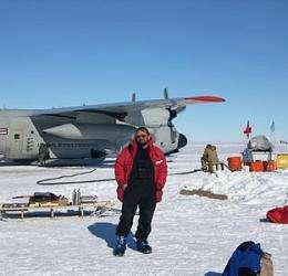Researchers to study hidden lakes beneath West Antarctic ice sheet