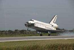 Shuttle Endeavour lands safe in Fla.