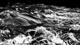 A glimpse at the Earth's crust deep below the Atlantic