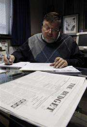 Amish newspaper succeeds the old-fashioned way (AP)