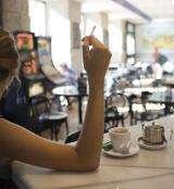 Anti-smoking law helps waiters to quit smoking
