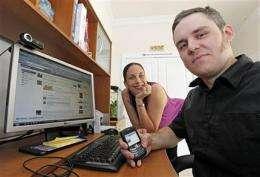 `Don't post that!' -- networking etiquette emerges (AP)