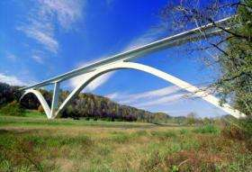 Engineers investigate energy independent monitoring system for bridges