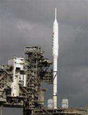 NASA tries 2nd time to launch experimental rocket (AP)