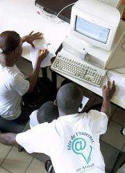 People learn to use the Internet in Gabon