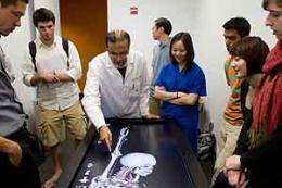 Computerized table lets students do virtual dissection
