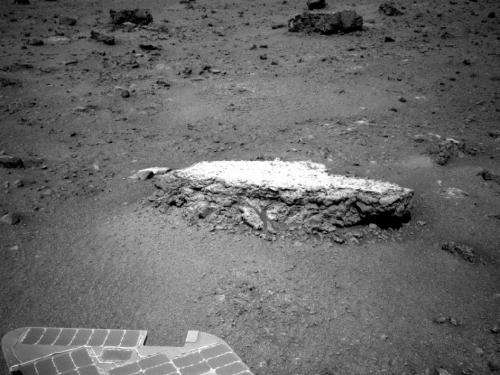 Mars rover opportunity begins study of martian crater