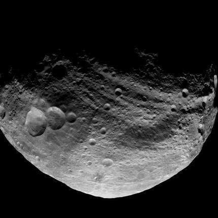 Dawn spacecraft gets cozy with massive asteroid (AP)