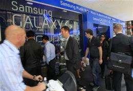 Australian court bans sales of Samsung tablet (AP)