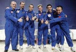 Crew of mock Mars mission appear healthy, joyful (AP)