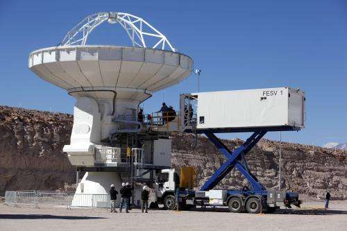 Cryogenic catering truck comes to the ALMA observatory