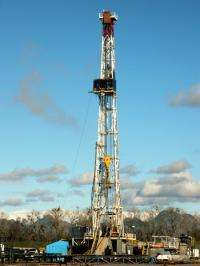 Extracting natural gas from shale can be done safely, says Stanford researcher
