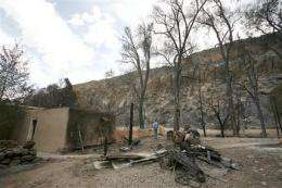 Fire near NM nuclear lab largest in state history (AP)