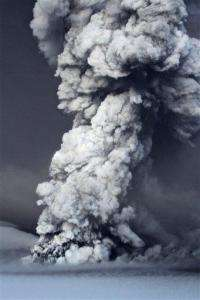 Icelandic volcano flings up ash, shuts airport (AP)