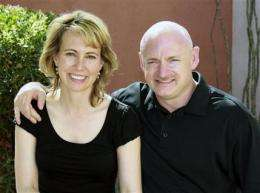 Kelly: Giffords cleared to attend shuttle launch (AP)
