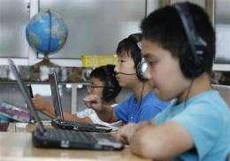 SKorean students ditch paper for digital books (AP)
