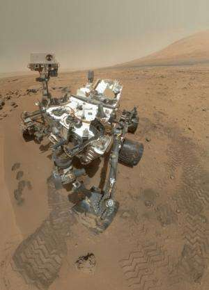 Curiosity celebrates 90 Sols scooping Mars and snapping amazing self-portrait with mount sharp