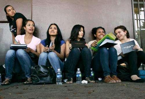 Stanford economist: Immigration reform initiative could reduce crime, Stanford economist