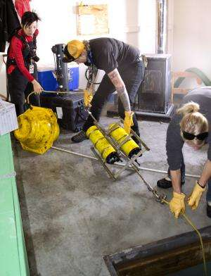Researchers Recover Recorder From Antarctic Waters Containing Critical Baseline on Acidification