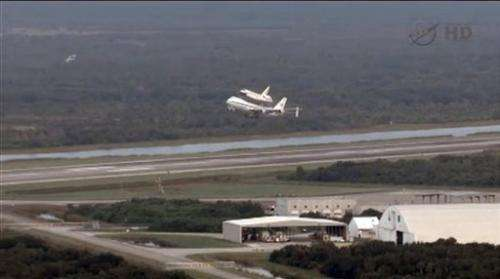 Space shuttle Endeavour heads west to new mission
