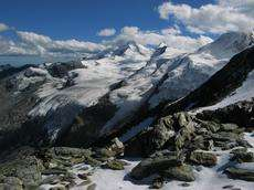How mountain ranges get their shape