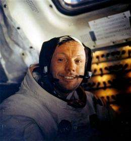 Astronauts among dignitaries at Armstrong service