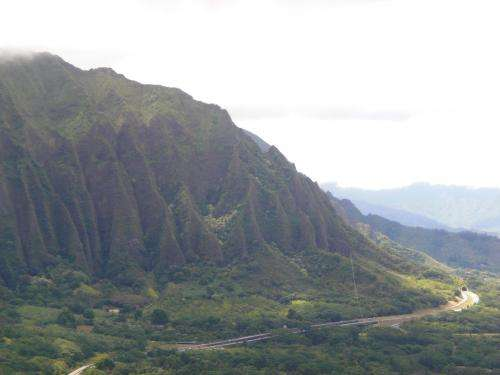 Hawaiian Islands are dissolving, study says