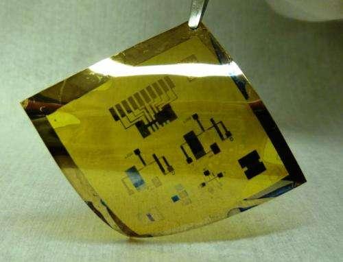 Penn researchers make flexible, low-voltage circuits using nanocrystals