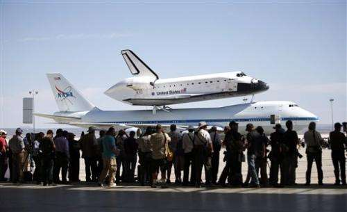 Endeavour lands at LA airport after aerial tour