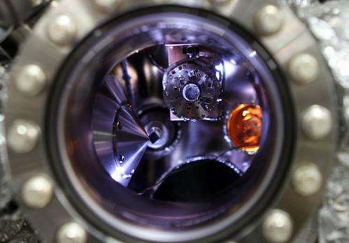 Advanced imaging method reveals fundamental reactions behind battery technology