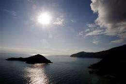 Cruise ship threatens marine paradise (AP)