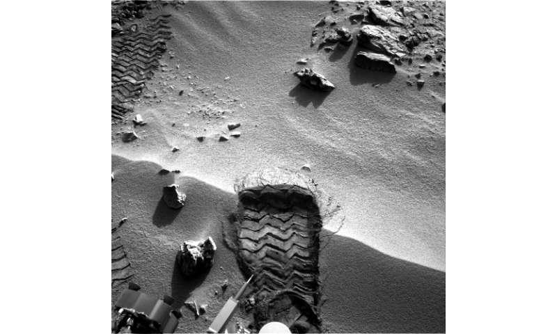 """Curiosity's """"Bootprint"""" on Mars"""