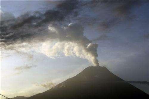 Ecuador volcano blasts more hot rock from crater
