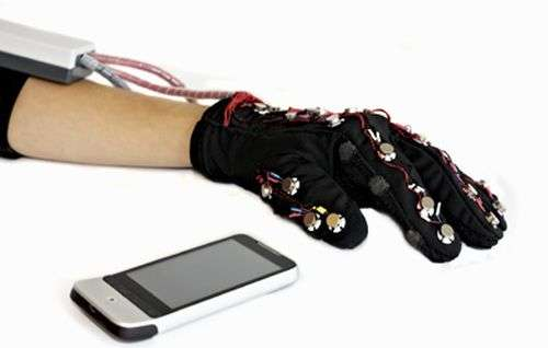 Glove designers plan messaging path for deaf-blind