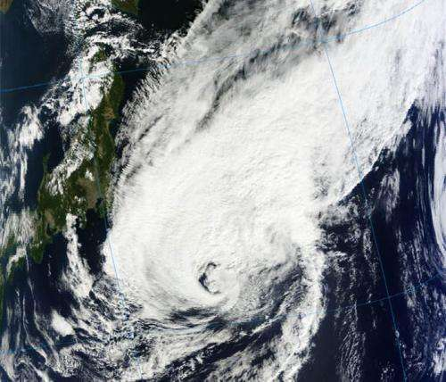 NASA sees extra-large, now extra-tropical storm Prapiroon fading