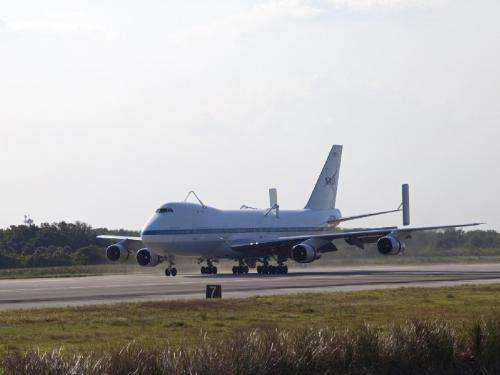 Shuttle carrier aircraft arrives at Kennedy