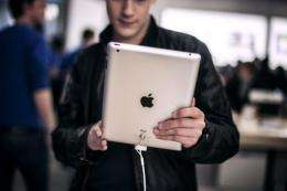 The Apple iPad extended its lead in the global market for tablet computers