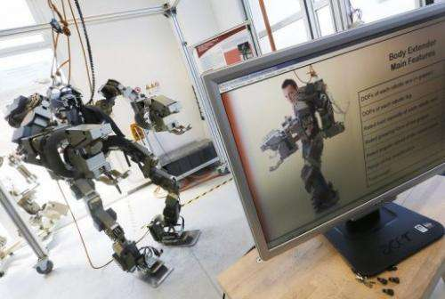 The exoskeleton is a kind of armour weighing 160 kilos which multiplies the strength of its human user by 20