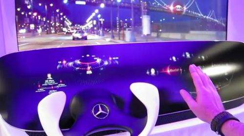 Mercedes demos DICE - Interactive dashboard and Heads-Up display