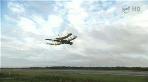 US space shuttle Endeavour heads to museum