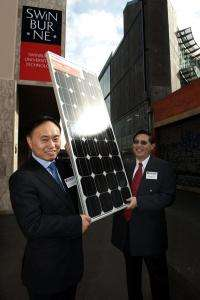 World's most efficient nanoplasmonic solar cells developed