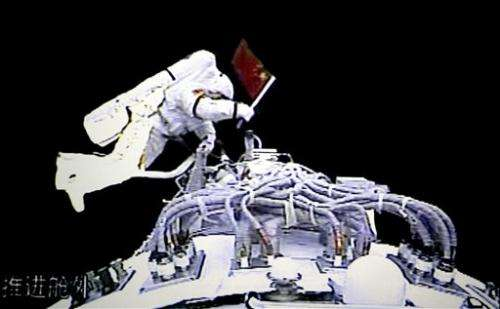 China marks decade of human spaceflight