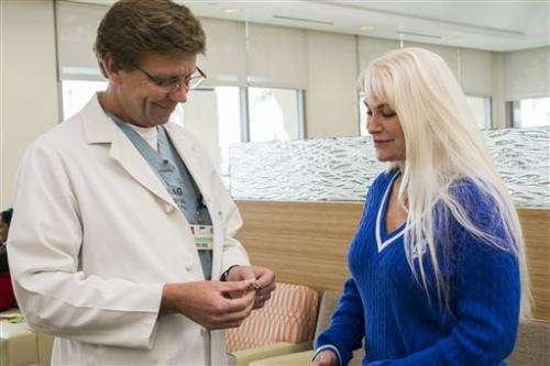 Implanted 'bracelet' helps treat chronic heartburn
