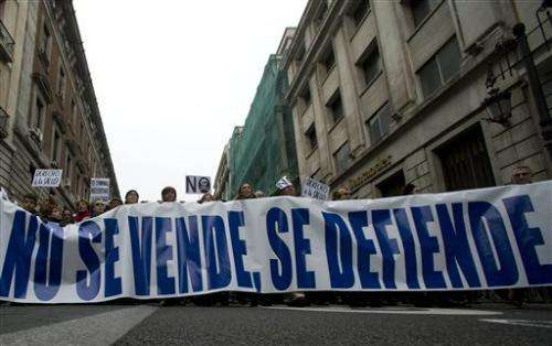 Large Spanish protest against health privatization